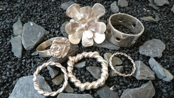 Silversmide smycken