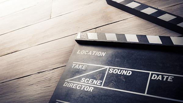 Filmmanus, distans