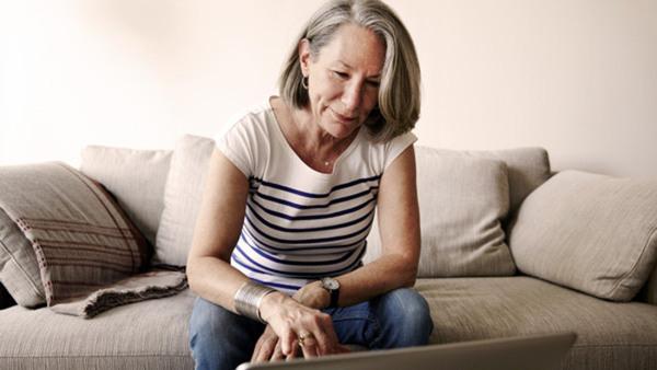 Sociala medier för seniorer grund