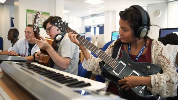 Elgitarr - individuell undervisning