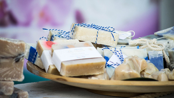 Make your own ecological shampoo bar