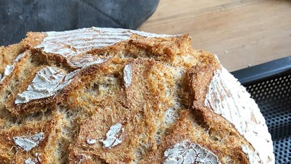 Baka enkelt bröd
